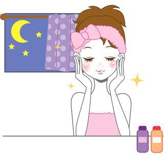 化粧水を使用する様子